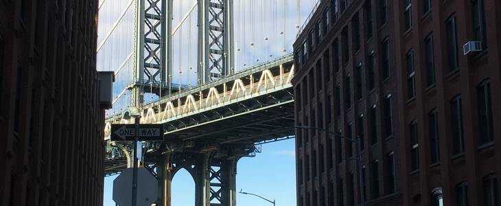 Three Bridges Tour - Manhattan Bridge from DUMBO Brooklyn